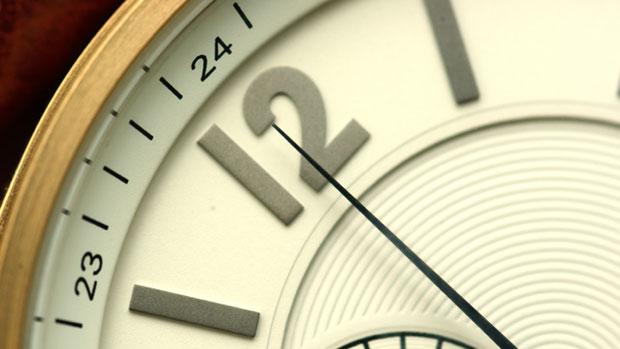 12-clock-istock