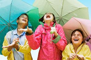 kids-playing-in-the-rain-297x198